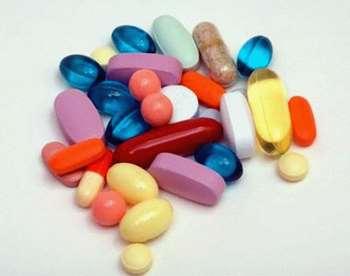 Россыпь таблеток и пилюль