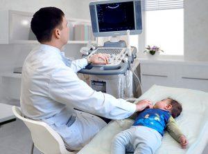 Для подтверждения кривошеи у новорожденного выполняется УЗИ