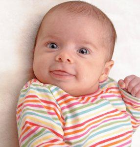 Причины возникновения кривошеи у новорожденных бывают самые разные