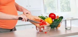 При лишнем весе во время беременности стоит пересмотреть питание