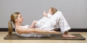 Для сокращения матки после родов можно делать специальные упражнения