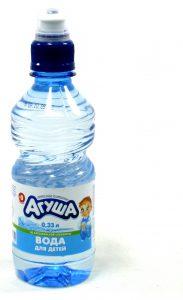 Поить грудничков можно специальной детской водой
