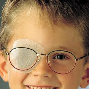 Для лечения косоглазия у детей применяются не только хирургические, но и физиотерпевтические методы