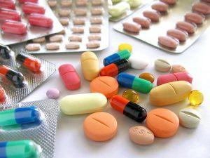 Вульвит у детей может спровоцировать прием определенных лекарств