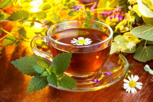 Чай с мятой и ромашкой от изжоги