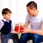 Что подарить ребенку на 5 лет мальчику и девочке: идеи недорогих и интересных подарков