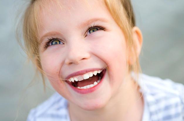 Почернение молочных зубов у ребенка