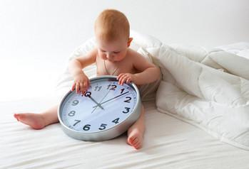 Ребенок с часами