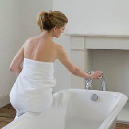 Когда женщине можно без риска развития осложнений принимать ванну после кесарева