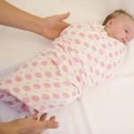 Пеленание новорожденного ребёнка — видео