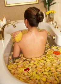 можно ли принимать ванну после родов
