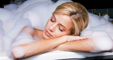 Когда можно принимать ванну после родов?