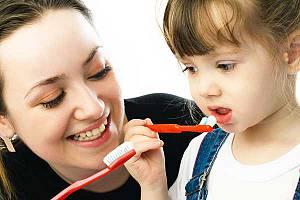 Как научить ребёнка правильно чистить зубы?