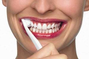 Техника чистки зубов по Бассу для взрослых. Шаг 2