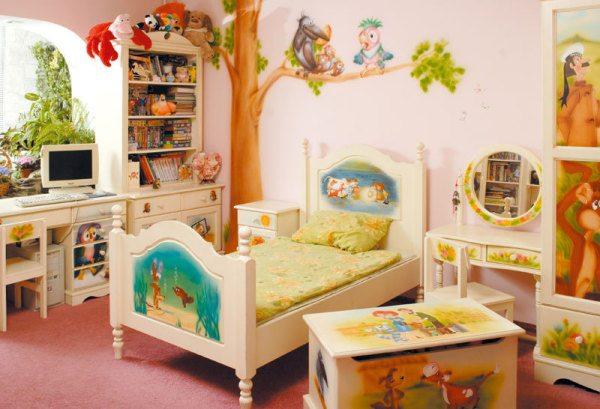 Найдите, чем покрасить деревянную детскую кроватку, и ваш малыш будет рад и счастлив.
