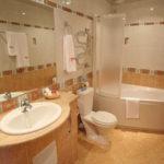 Ремонт совмещенной ванной с туалетом идеи, руководство