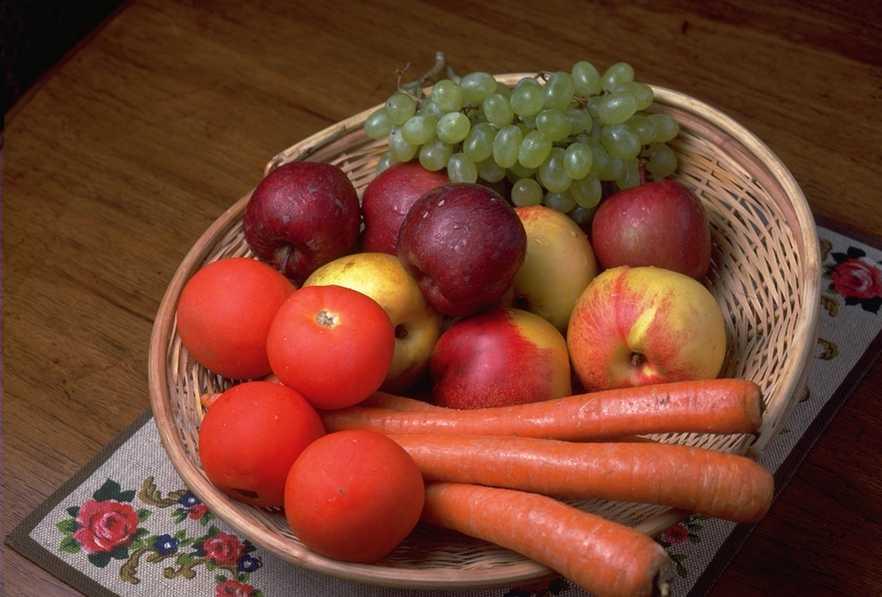 Овощи и фрукты при кормлении грудью