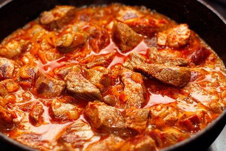 как приготовить гуляш мясной