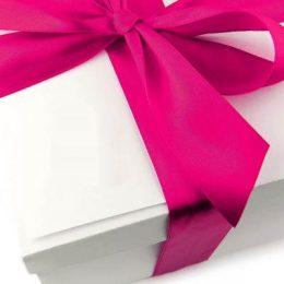 Что дарят врачам и медсестрам на выписку из роддома: лучшие идеи подарков