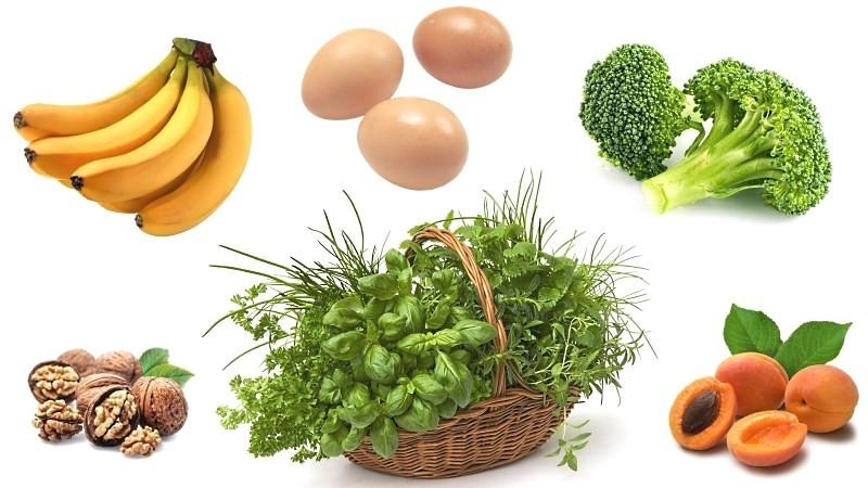 Зелень, яйца, бананы, абрикосы, брокколи, орехи