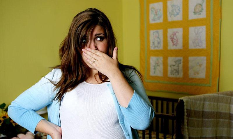 Тошнота - признак беременности