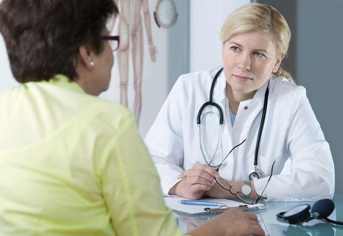Женщина на приеме у доктора