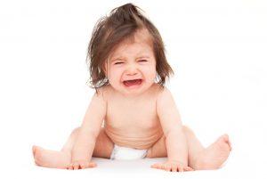 Ребенок плачет при запоре