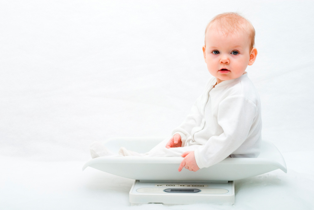 Взвешивание 6-месячного ребенка