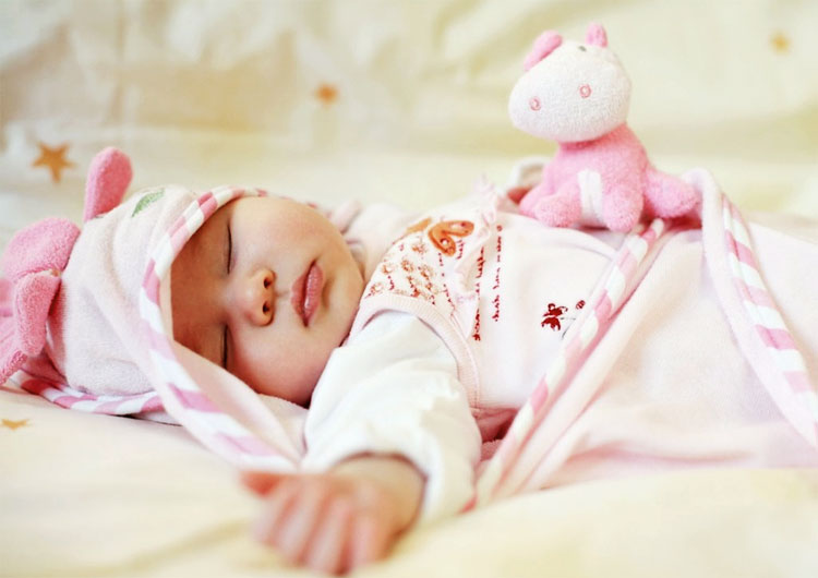 Малышка спит - 1 месяц