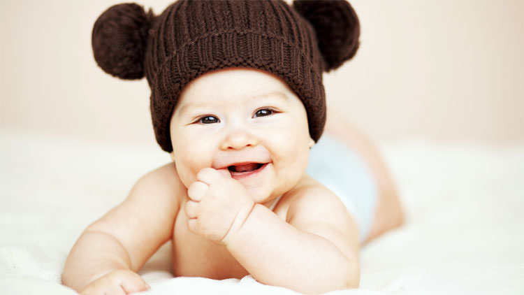 Малышу 2 месяца - держит голову