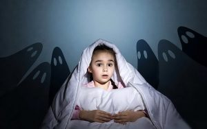 ребенок боится темно ы