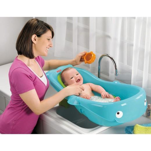 купание младенца в ваночке