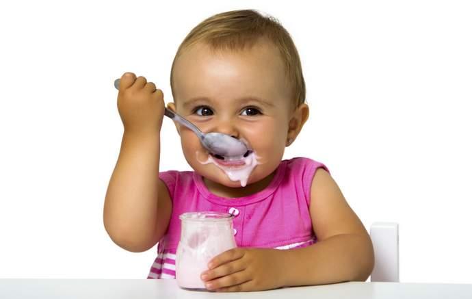 С какого возраста детям можно давать йогурт