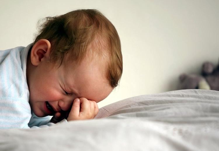 Малыш не может уснуть