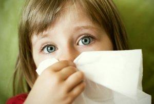 Самые эффективные детские спреи от насморка