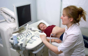 УЗИ брюшной полости у детей при гепатомегалии, лечение ребенка с гепатомегалией