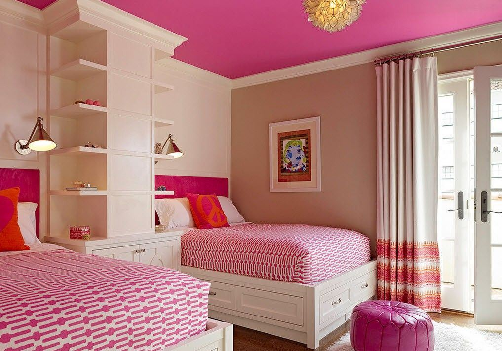 Красивая детская комната для двух девочек