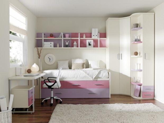 интерьер маленькой детской комнаты хранение