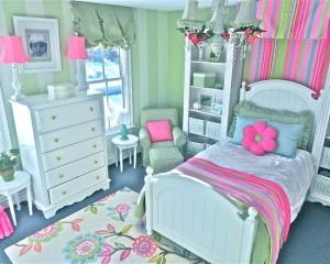 Яркая комната для маленькой девочки