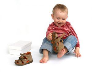 Как узнать размер обуви ребенка