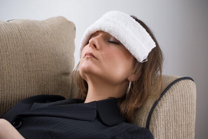 Как лечить головные боли во время месячных
